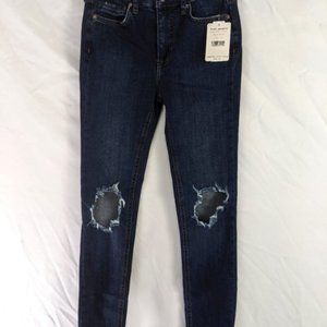 NWT FREE PEOPLE Mid Rise 26 Skinny Jean Distressed